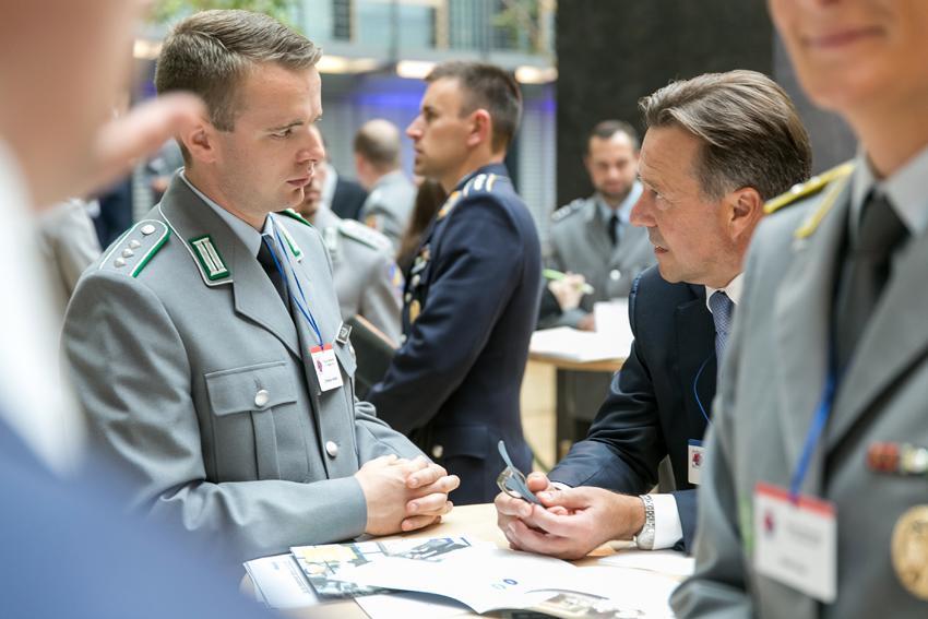 Bundeswehr manner kennenlernen